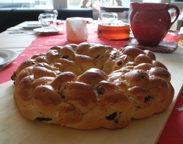 Rosinen-Hefezopf 8Strang geflochten | Kuchenkrümel