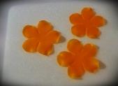 Blütenpaste mit einem Balltool ausgedünnt