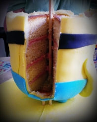 3d stand up Minion Cake cut