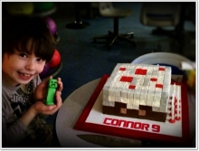 Minecraft-white-square-birthday-creeper-connor